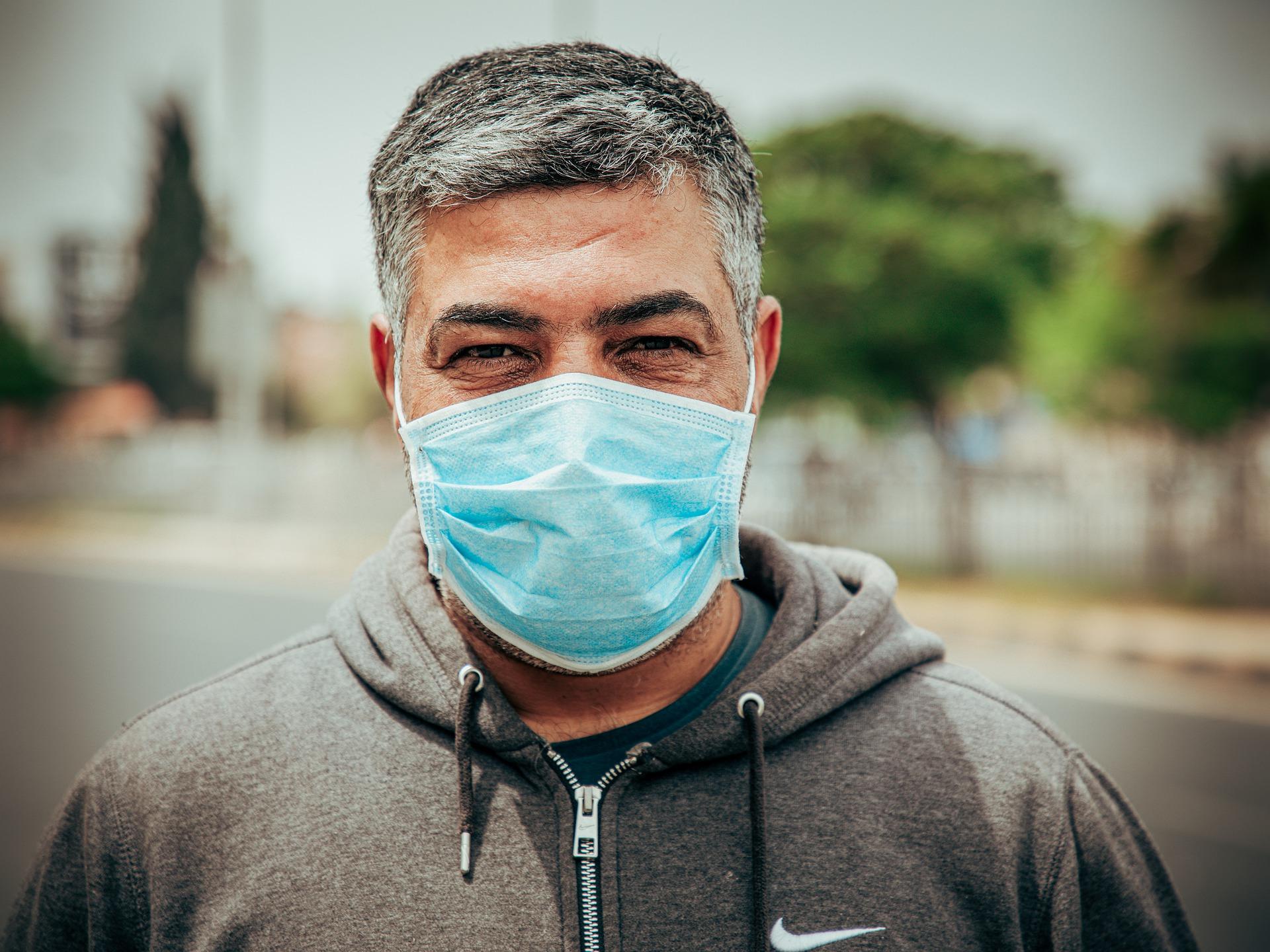 Fenaer apoya la retirada de la exención en el uso de mascarillas a pacientes respiratorios