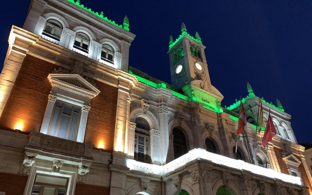 Edificios institucionales de toda España se iluminaron con el verde agua del asma